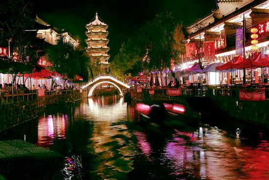 滦县距离北京只有四个小时的车程,下了火车之后再坐一刻钟汽车就到高清图片