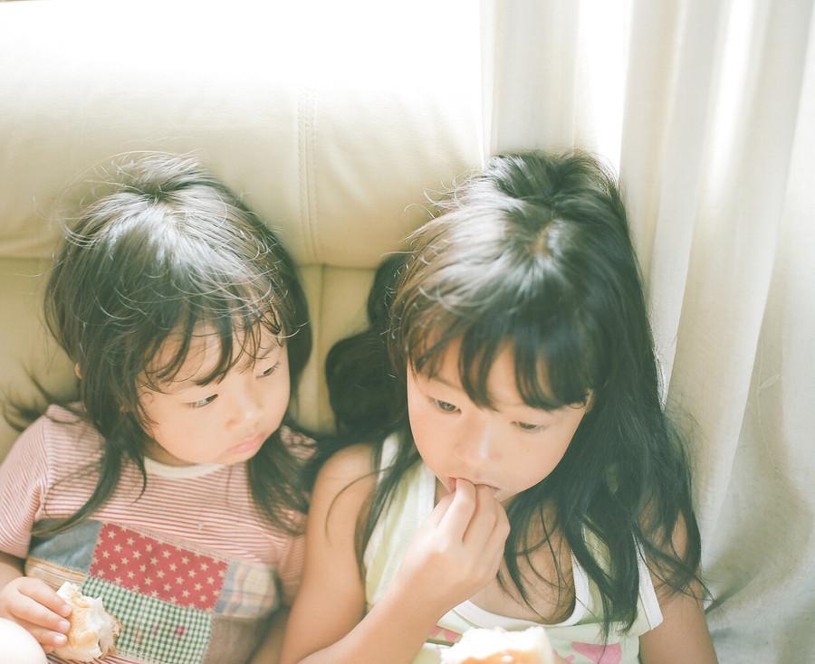 小清新儿童摄影作品:亲亲我的小宝贝