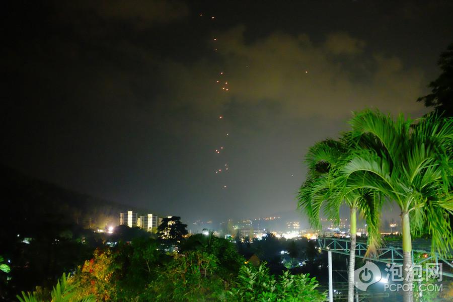 7/80 nirvana酒店周围都是芭蕉树和各种植被,仿佛置身深山老林中.