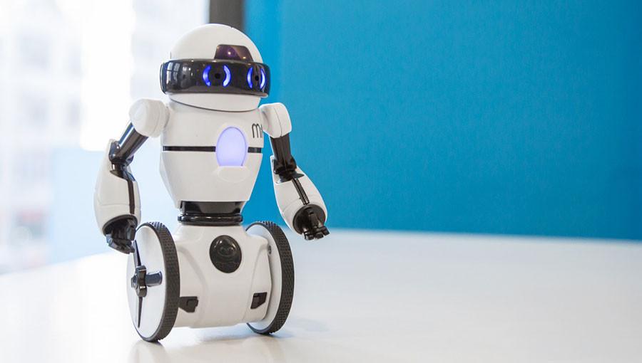 mip是一款智能机器人,长得十分娇小可爱.