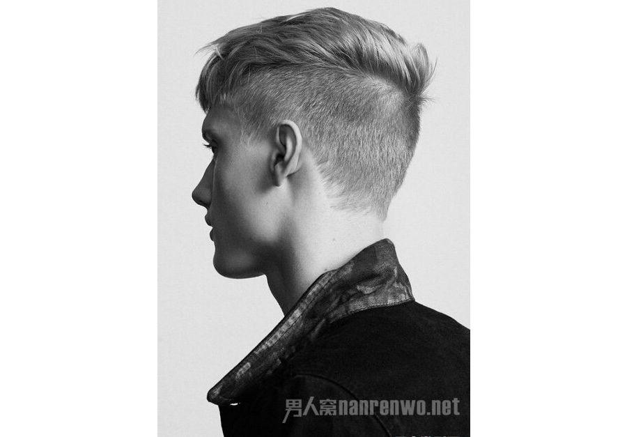 酷帅发型就要两边铲短
