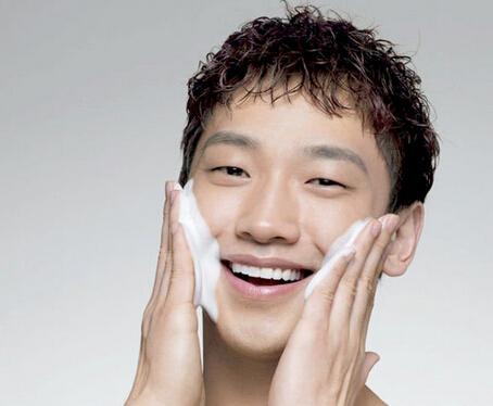 男性保养皮肤的方法