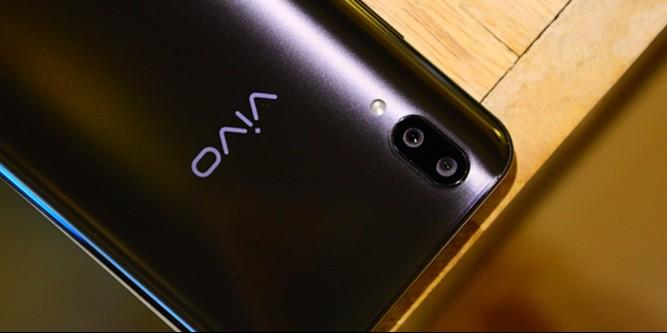 vivo X21屏幕指纹手机:AI智慧拍照,照亮你的美