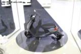 小牛M1智能电动踏板车 都市标准版M1/都市安全版M1 白色 都市版 都市标准版现场图片5