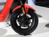 小牛M1智能电动踏板车 都市标准版M1/都市安全版M1 白色 都市版 都市标准版现场图片7