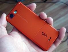 最纤薄Walkman手机索爱W888降至1499