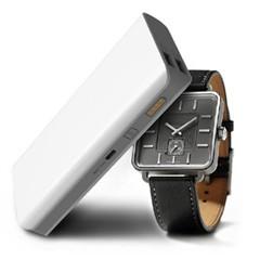 紫光电子S5 13000毫安 套餐版 支持99%手机充电 移动电源 白色 官方标配+2000毫安充电器