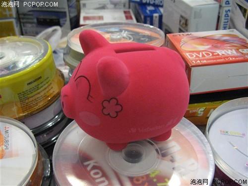 """威宝促销16速DVD刻录盘送""""聚福彩猪"""""""