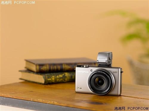 高性能便携卡片相机 奥林巴斯XZ1给力