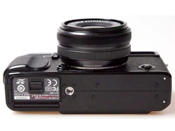 富士X-Pro1底部图片