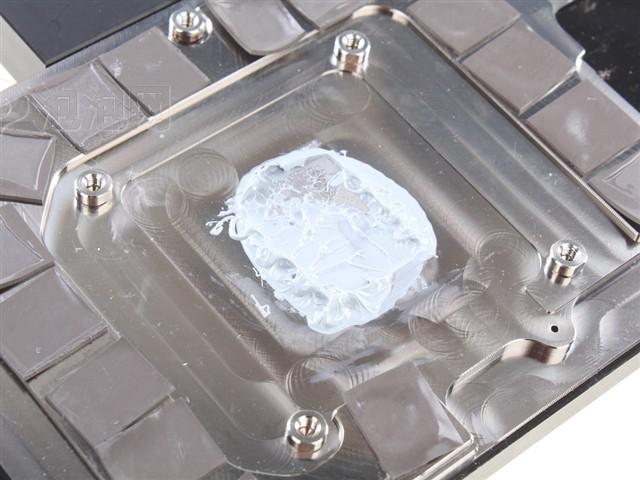 迪兰LCS R9 290X PowerColor(水冷4G)图片8