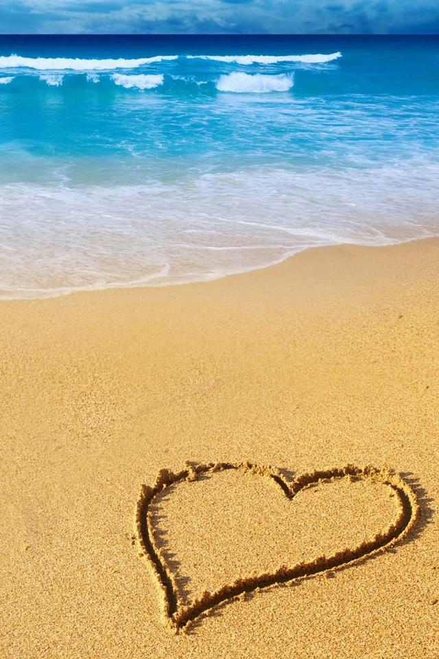�情图片_[分享] 求一张沙滩上有粉红色爱心的壁纸 只看楼主
