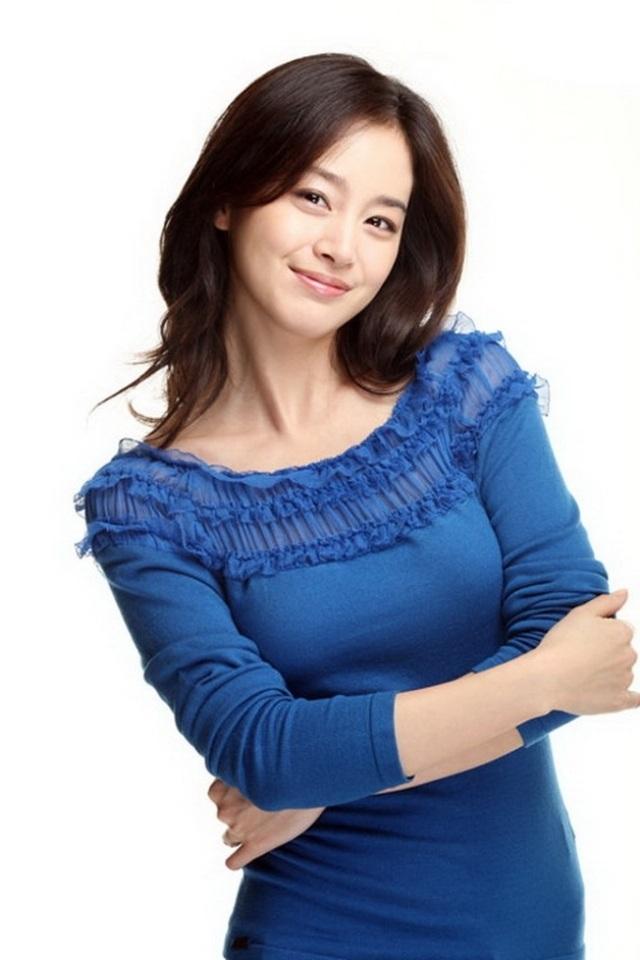 韩国美女金泰熙20120518壁纸02610180395